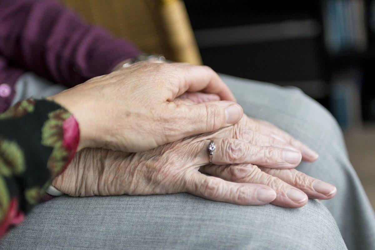 consigli per la cura degli anziani