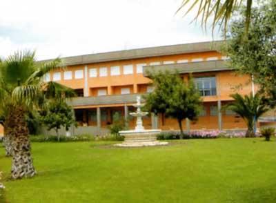 Centro Riabilitativo Casa di Cura Mons. Giosue' Calaciura Ce